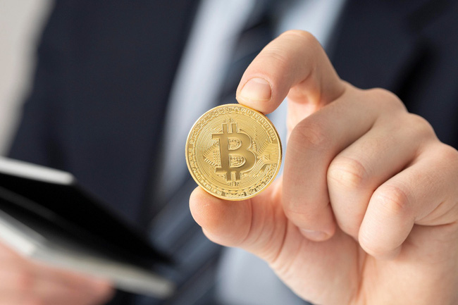 Bitcoin trượt dốc không phanh, mất mốc 60.000 USD - ảnh 3