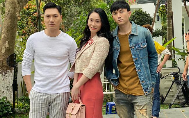 Hương vị tình thân: Quách Thu Phương đau đầu vì có 2 con trai là nam thần    VTV.VN