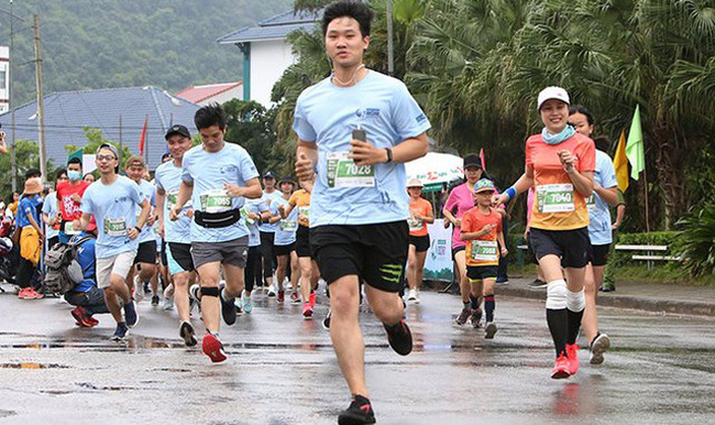 1,800 athletes join Quang Binh Discovery Marathon (Photo: toquoc.vn)