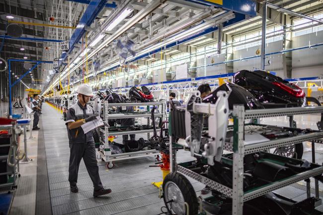 IMF: Việt Nam có thể đạt tăng trưởng GDP 6,5% trong năm 2021 - ảnh 3