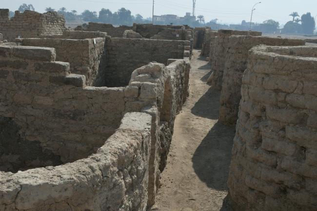 """Ai Cập phát hiện """"thành phố vàng"""" 3.000 năm tuổi - ảnh 5"""