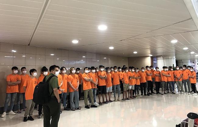 TP Hồ Chí Minh trục xuất 52 người nước ngoài nhập cảnh trái phép - ảnh 1