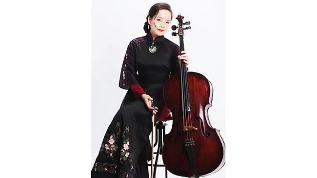 Cellist Dinh Hoai Xuan