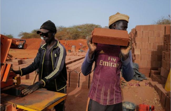 Kỹ thuật xây nhà bằng đất cổ xưa độc đáo ở Senegal - ảnh 2