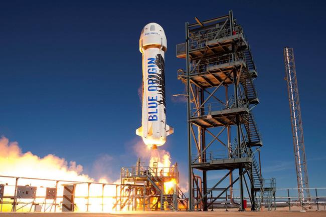 Blue Origin bắt đầu mở bán vé du lịch vũ trụ - ảnh 1