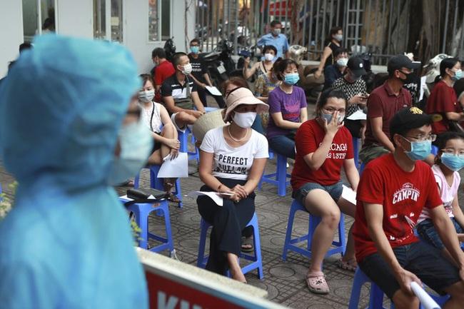 Campuchia phát hiện ổ dịch lớn tại nhà máy, Malaysia kéo dài lệnh phong tỏa toàn diện - ảnh 4