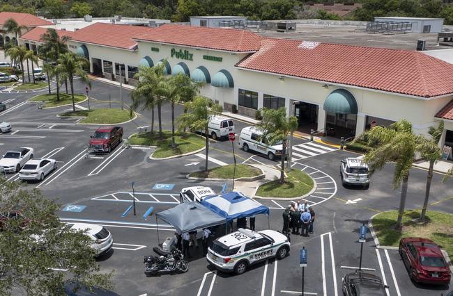 Xả súng tại cửa hàng tiện lợi ở Florida (Mỹ), 3 người tử vong - ảnh 3
