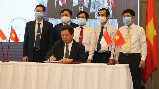The signing ceremony in Can Tho City (Photo: VNA)