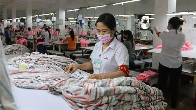 Production of garments at Phuong Nam Garment Import-Export Trading Joint Stock Company in Go Vap District, Ho Chi Minh City. (Photo: VNA)