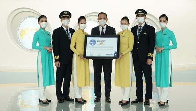 Vietnam Airlines gets five-star COVID-19 airline safety rating. (Photo: VNA)