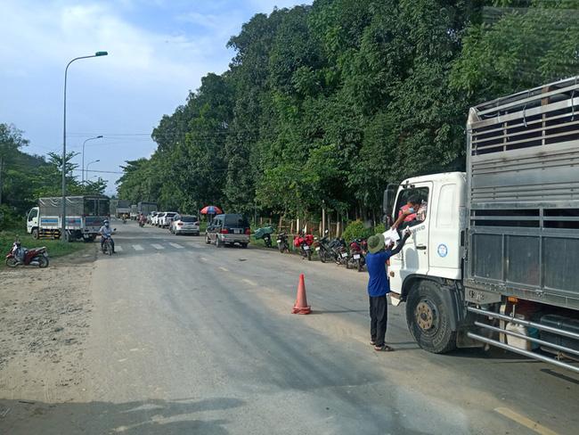 Lâm Đồng khởi tố vụ án tài xế xe tải làm lây lan dịch COVID-19 - ảnh 1