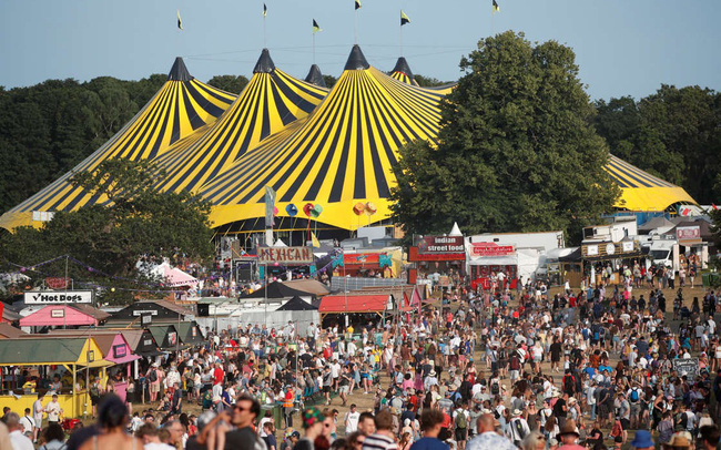 Hàng nghìn người tham gia lễ hội âm nhạc ở Anh giữa đà tăng ca nhiễm COVID-19 - ảnh 4
