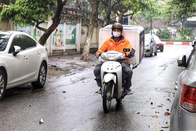 Hà Nội tạm dừng hoạt động vận chuyển hàng hóa bằng xe mô tô, xe 2 bánh - ảnh 1