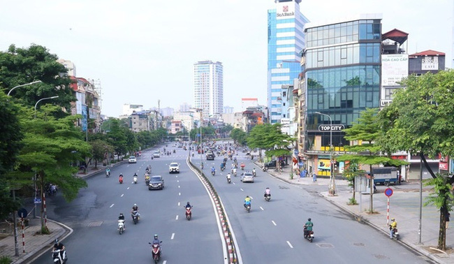 A street in Hanoi on the first day of social distancing. (Photo: VNA)