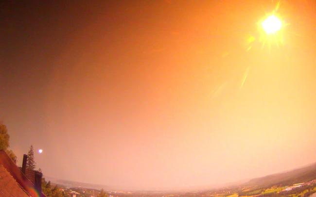Cận cảnh, thiên thạch phát nổ sáng rực bầu trời ở Na Uy - ảnh 4