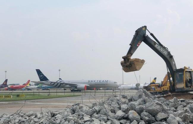 Cải tạo, nâng cấp Cảng hàng không Tân Sơn Nhất trong tháng 8/2021 - ảnh 1
