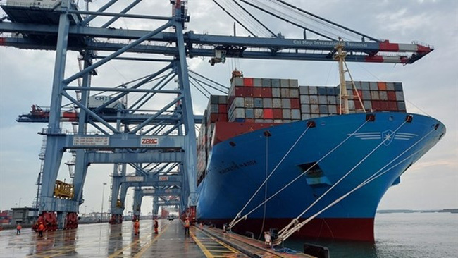 A container vessel at the Cai Mep-Thi Vai port complex. (Photo: VNA)
