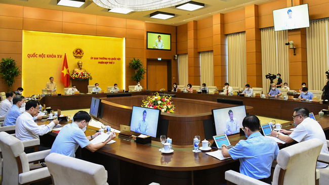 At the meeting to discuss the 2021 performance report and the 2022 audit plan of the State Audit Office of Vietnam. (Photo: quochoi.vn)