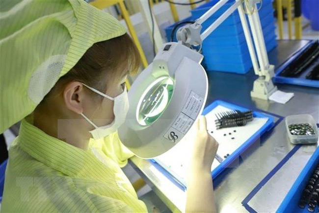Production of electronic parts at Youngbag Micromotor Vietnam in Vinh Phuc's Binh Xuyen Industrial Park. (Photo: VNA)
