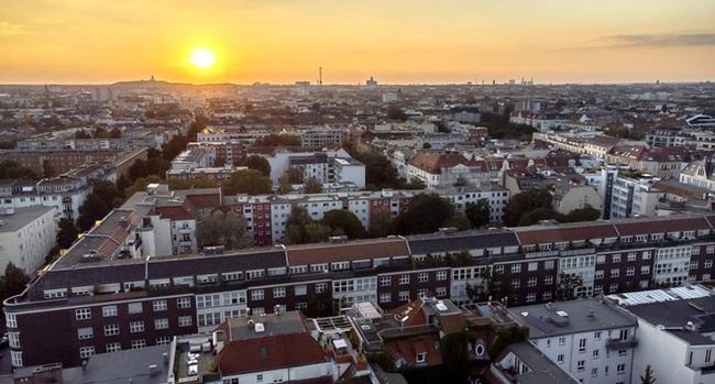 Đức chi 2,9 tỷ USD mua gần 15.000 căn hộ để hạ nhiệt giá thuê nhà - ảnh 1