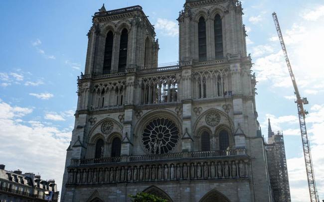 Nhà thờ Đức Bà Paris lên kế hoạch mở cửa trở lại sau cuộc hỏa hoạn lịch sử - ảnh 1