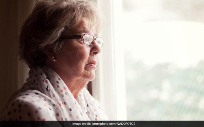 10 dấu hiệu nhận biết sớm bệnh Alzheimer ở tuổi già - ảnh 3