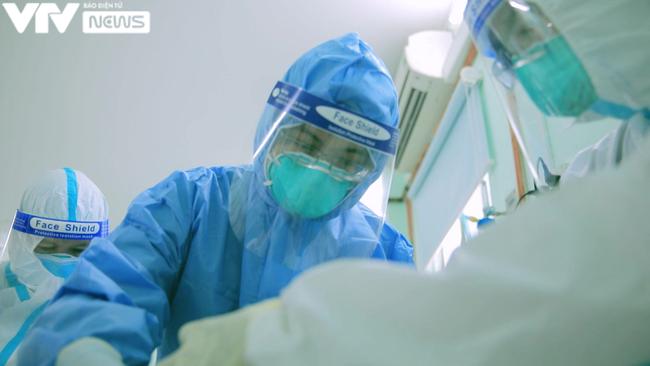 Xem VTV Đặc biệt Ranh giới: Khán giả thầm cảm ơn bác sĩ, thầm cảm ơn vì mình vẫn còn được thở - ảnh 5