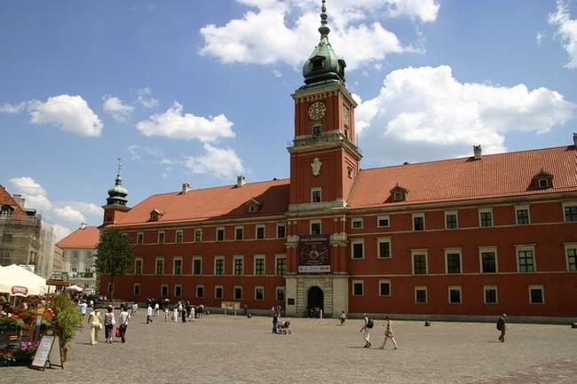 Kết quả hình ảnh cho Cung điện hoàng gia Old Town Ba Lan
