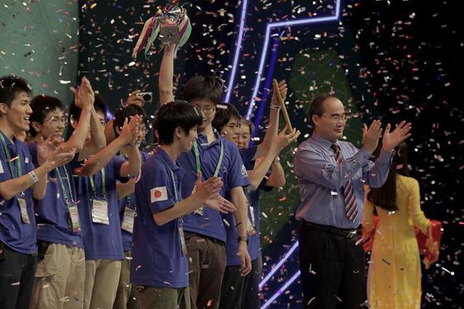 Chiến thắng của Học viện Kỹ thuật Kanazawa - Nhật Bản trong trận  chung kết trước đội Việt Nam 1 đến từ ĐH Lạc Hồng đã khép lại Cuộc thi sáng  tạo ...