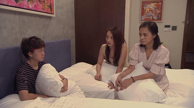 Về nhà đi con ngoại truyện - Tập 2: Dương (Bảo Hân) khốn đốn vì bị bạn gái theo đuổi mà Bảo mãi chưa về nước - ảnh 3