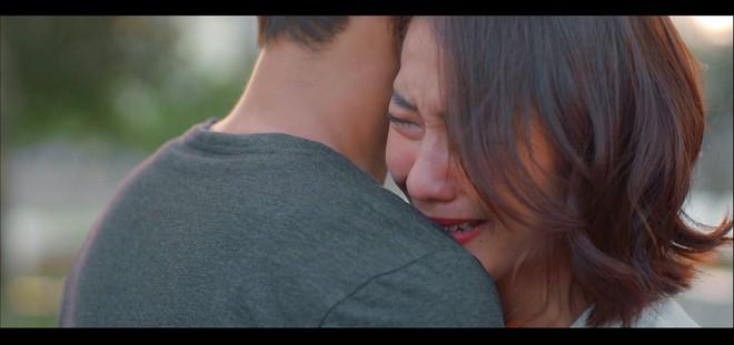 11 tháng 5 ngày - Tập 14: Nhi bị bố mắng oà khóc như đứa trẻ, đúng lúc gặp Đăng để dựa vào - ảnh 26