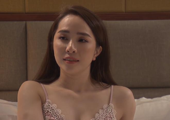Thời trang đồ ngủ trên phim của Phương Oanh, Hồng Diễm cùng các nữ diễn viên - ảnh 27