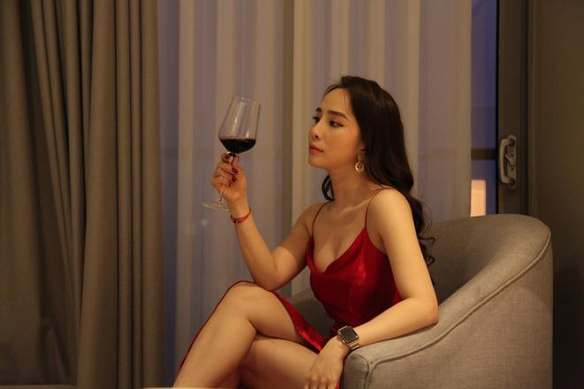 Thời trang đồ ngủ trên phim của Phương Oanh, Hồng Diễm cùng các nữ diễn viên - ảnh 26