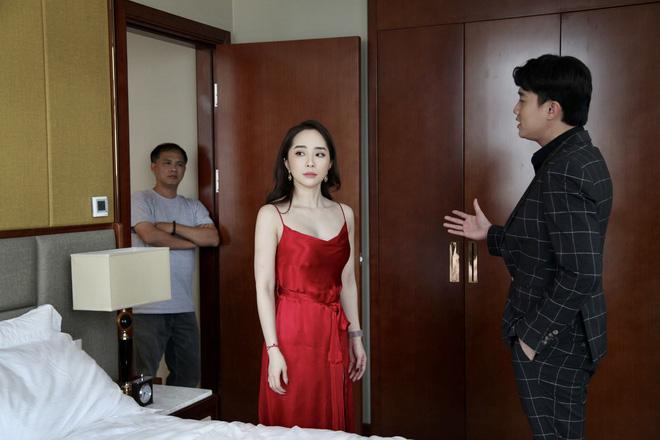 Thời trang đồ ngủ trên phim của Phương Oanh, Hồng Diễm cùng các nữ diễn viên - ảnh 23