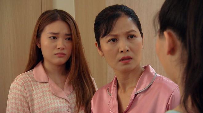 Thời trang đồ ngủ trên phim của Phương Oanh, Hồng Diễm cùng các nữ diễn viên - ảnh 42