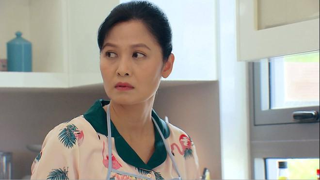 Thời trang đồ ngủ trên phim của Phương Oanh, Hồng Diễm cùng các nữ diễn viên - ảnh 36