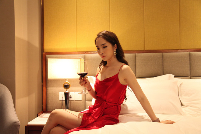 Thời trang đồ ngủ trên phim của Phương Oanh, Hồng Diễm cùng các nữ diễn viên - ảnh 20