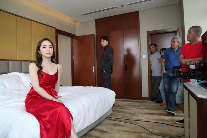Thời trang đồ ngủ trên phim của Phương Oanh, Hồng Diễm cùng các nữ diễn viên - ảnh 16