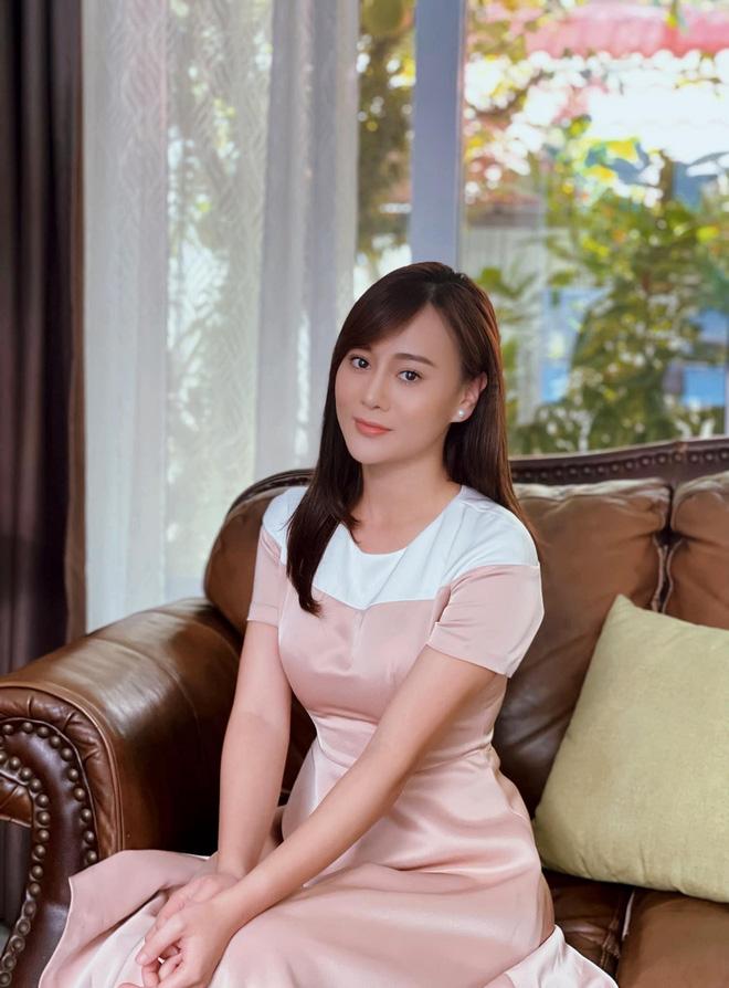 Loạt ảnh bất ngờ thời xưa của Bảo Thanh, Lương Thu Trang và Phương Oanh - ảnh 27