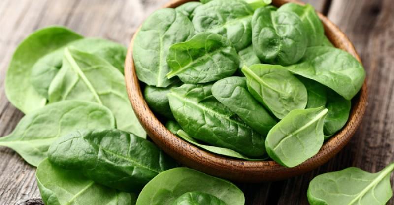 Cách làm sạch phổi từ rau chân vịt
