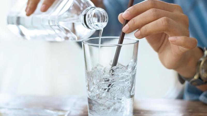 Kết quả hình ảnh cho uống nước đá
