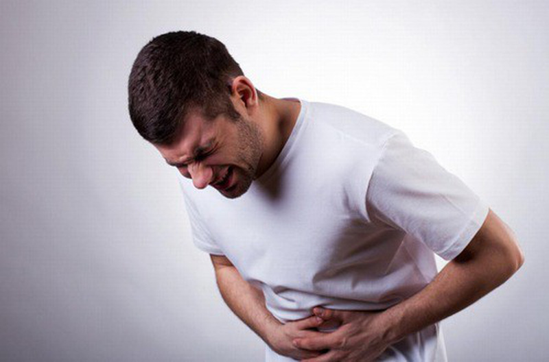 Đau bụng do viêm ruột thừa thường kéo dài từ 6-24 tiếng