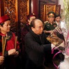 Prime Minister  leads tribute to Hung Kings