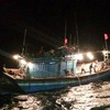 10 fishermen rescued