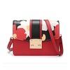 Túi đeo vai dạng hộp sọc Venuco Madrid Đỏ đen
