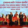 Winners of Vietnamese-language eloquence contest for Lao students honoured