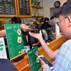 Vietnam steps up measures urged to expand e-payments via mobile subscribers