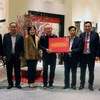 Vietnam head coach Park receives gift from PM ahead of return to RoK