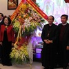 Politburo member Truong Thi Mai extends Christmas greetings to Thanh Hoa Catholics