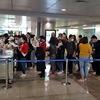 COVID-19: Overloaded airport stops receiving Vietnamese returnees
